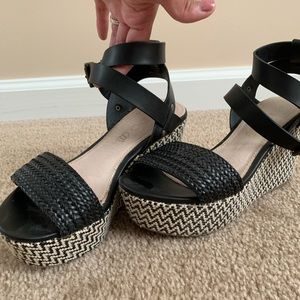 Also weave wedges